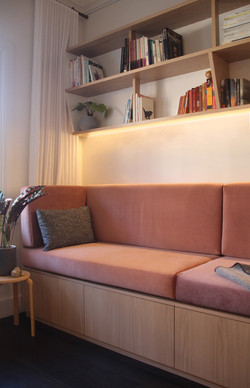 Martina sofa 2 black cushion