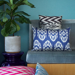 Mixed cushion covers made from silk ikat fabric