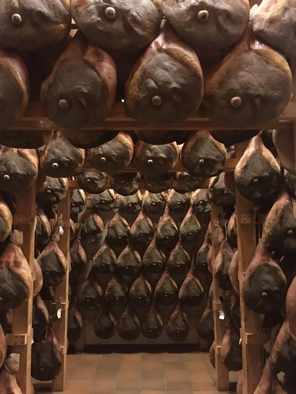 Visitez une fabrique de jambon italien