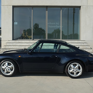 Porsche 993 Carrera 4 Coupe