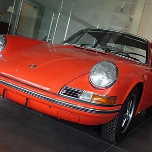 Porsche 911 2.4T Coupe