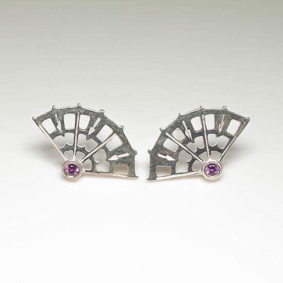 earstuds studs earrings rhodolite garnet handmade saw pierced hand engraved patina oxidised tom asquith jewellery