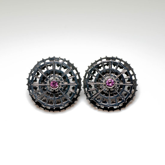 earstuds studs earrings black rhodium handmade saw pierced hand engraved patina oxidised tom asquith jewellery geometric
