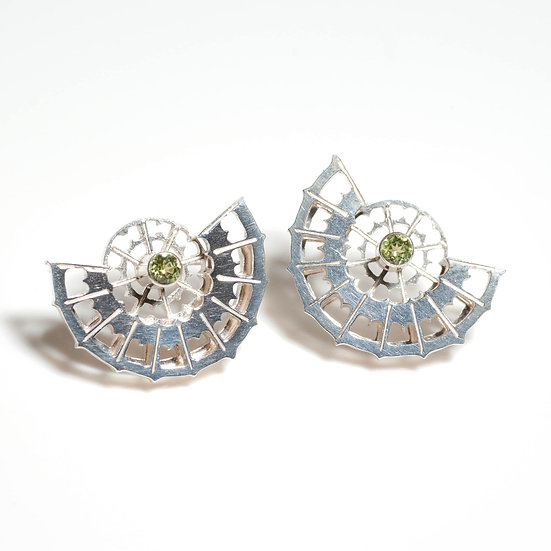 earstuds studs earrings peridot handmade saw pierced hand engraved patina oxidised tom asquith jewellery geometric