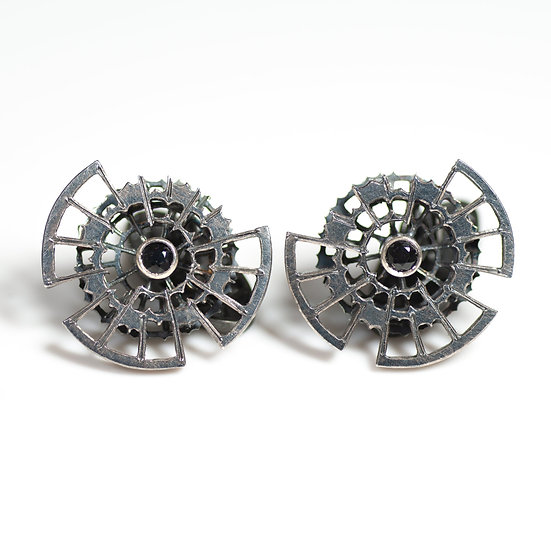 Cufflinks with Black Sapphire Handmade saw pierced hand engraved decorative toggle layered Tom Asquith Jewellery