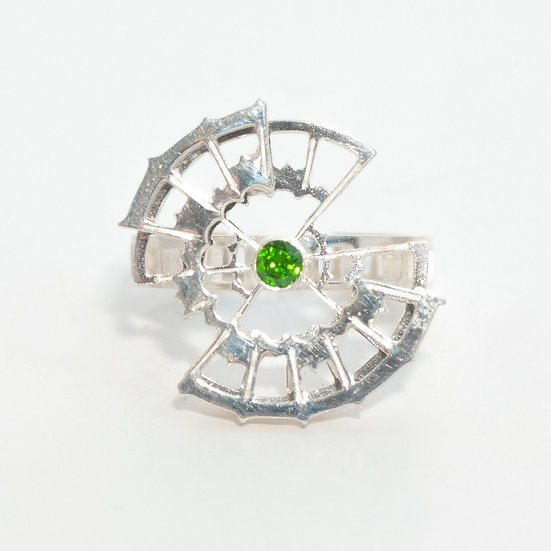 Chrome Diopside kinetic orbital ring, geometric Hand engraved saw pierced Tom Asquith Jewellery