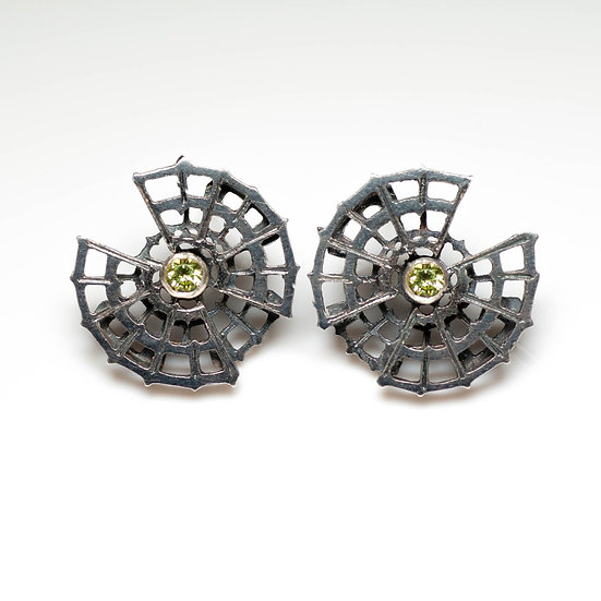 earstuds studs earrings peridot handmade saw pierced hand engraved patina oxidised tom asquith jewellery geometric
