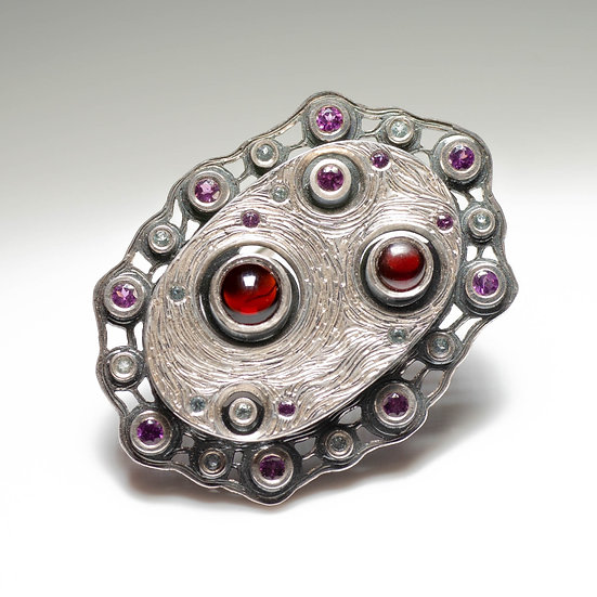 Silver oval Brooch garnet topaz layered hand engraved tom asquith jewellery
