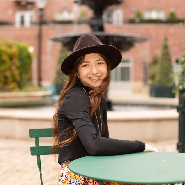 08Paola W Photography201023Senior-WEB-20