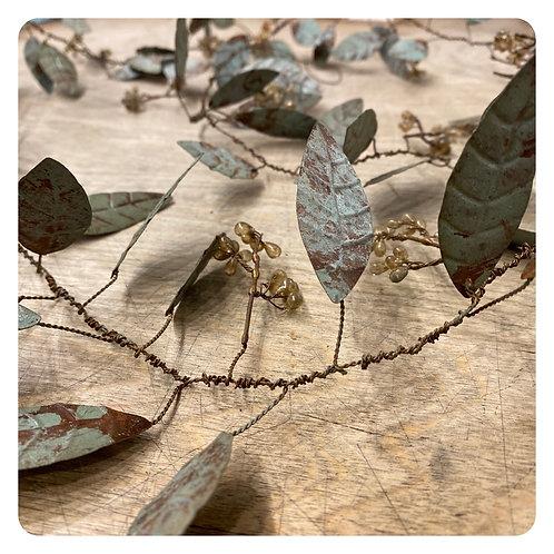 5 1/2' Metal & Bead Rustic Vine