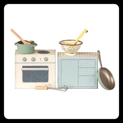 Maileg stove
