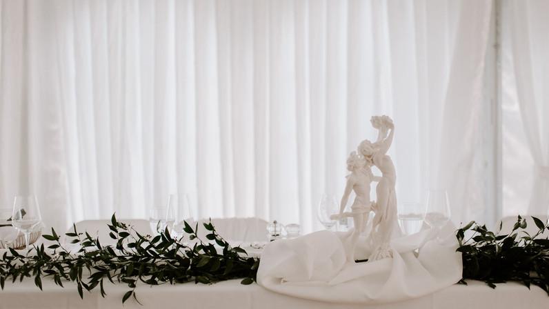 L&S_Bernini Statue - Head Table