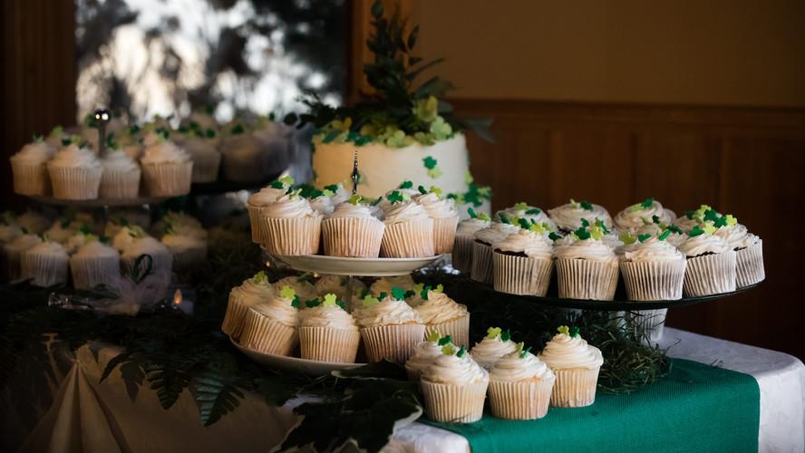 Cupcake + Cake Table