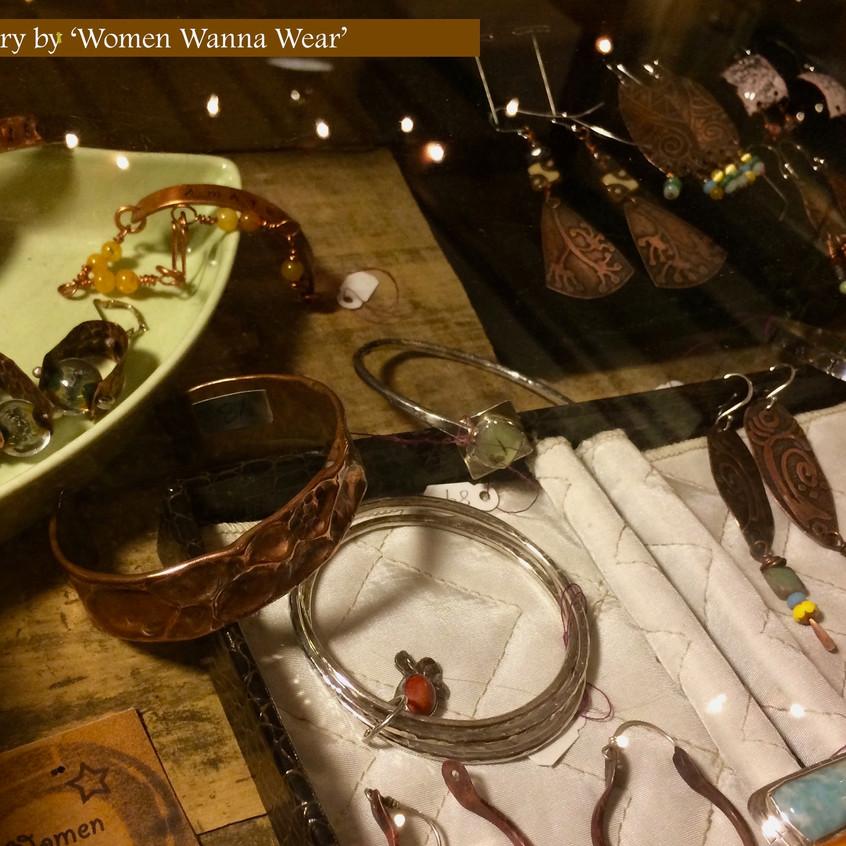 Women Wanna Wear, by Gin