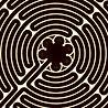 labyrinthe noir et blanc.jpg