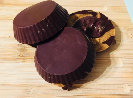 Healthy almond butter chocolate cups