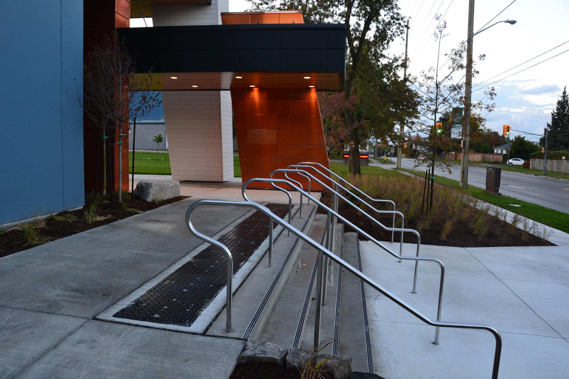Trent U Oshawa - Street Entrance