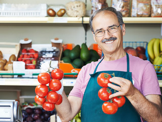 Продавец тухлых помидоров