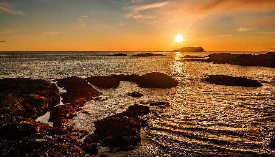 Sunset over Chesterman Beach in Tofino BC
