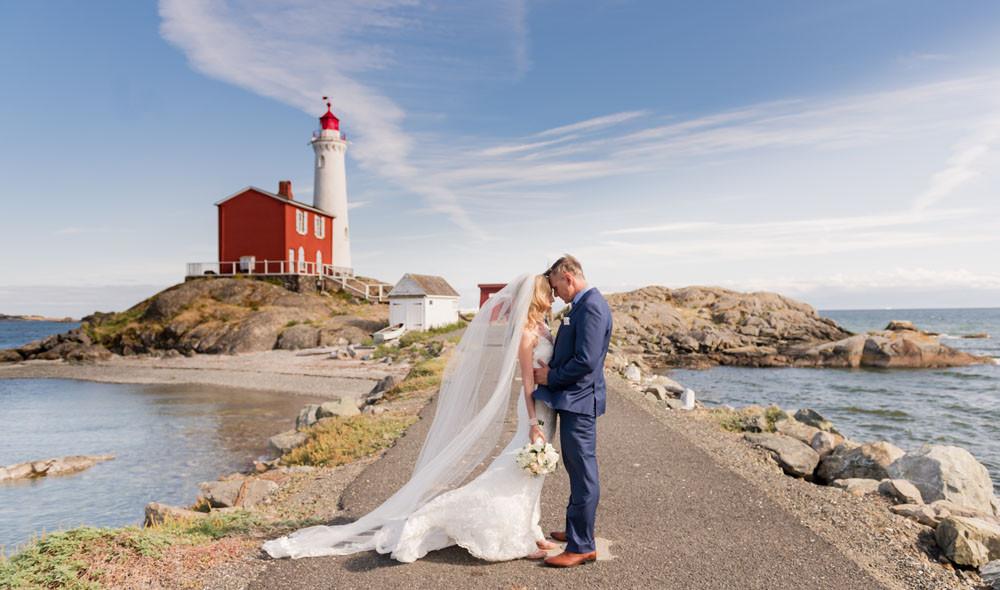 Bride & Groom at Fisgard Lighthouse