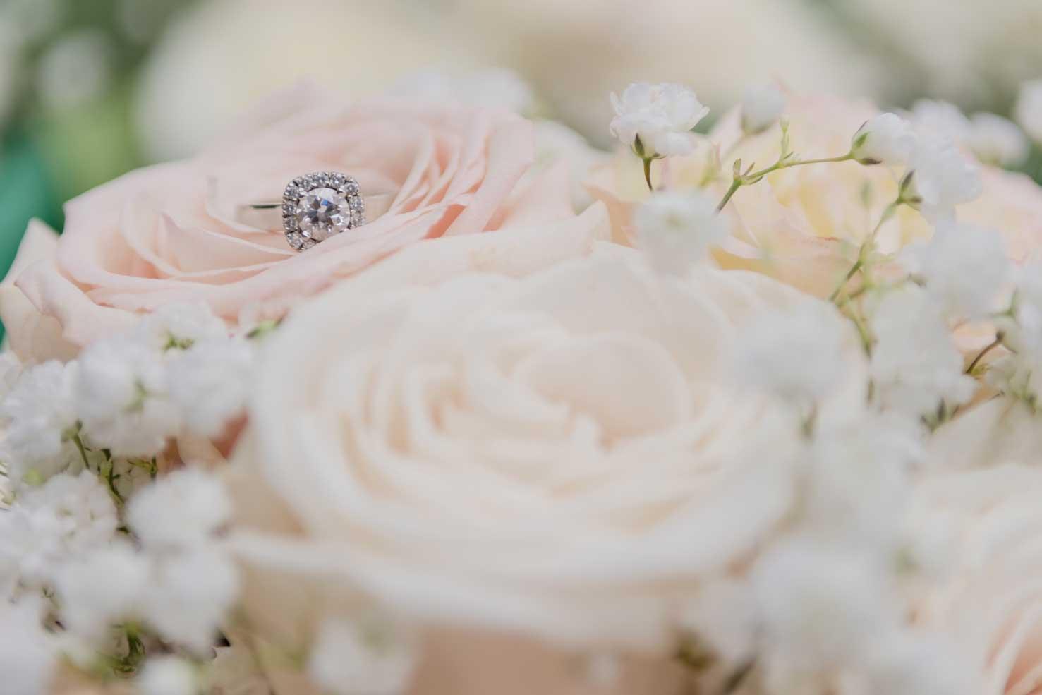 Engagemet ring & Bouquet