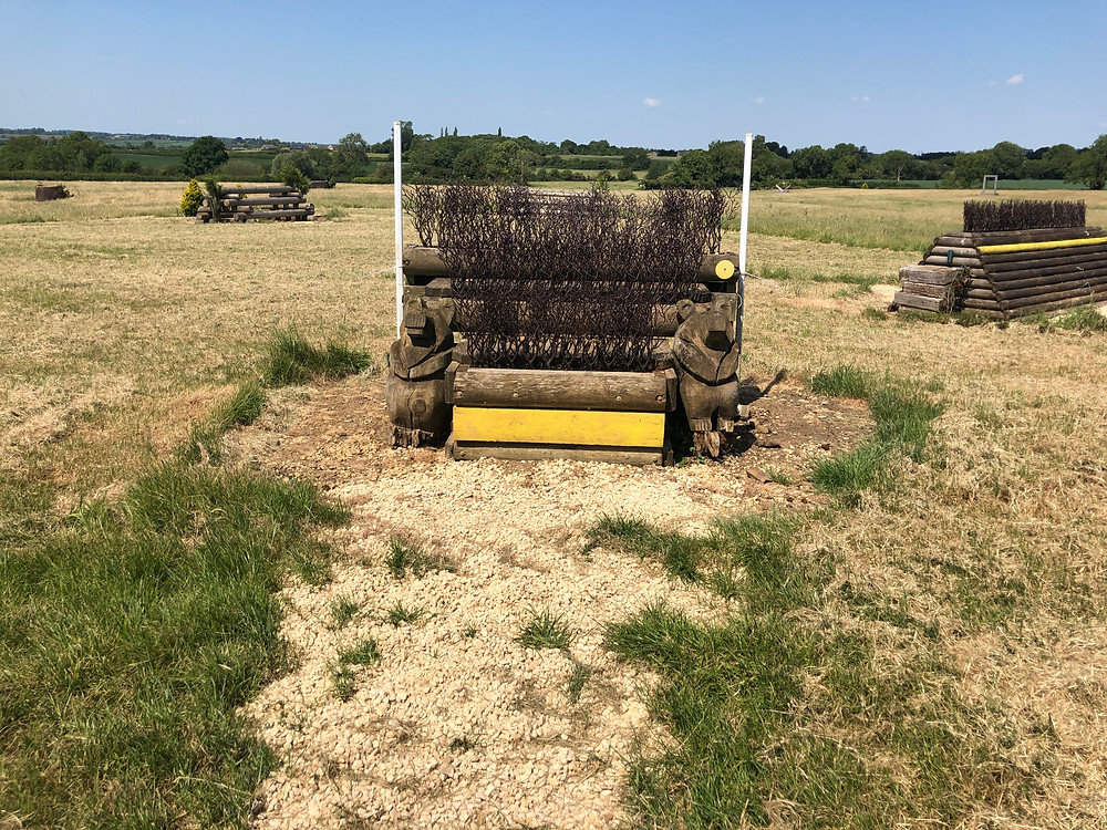 skinny fence, cross country fence, eventing