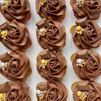 12 Cadbury Cupcakes