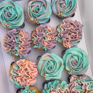 Vanillla Elegant Cupcakes