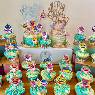 Baby Shark Cake & Cupcakes