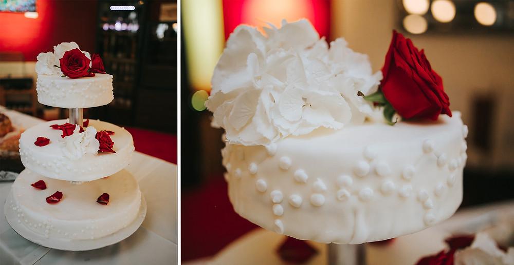 Hochzeitstorte rot weiß