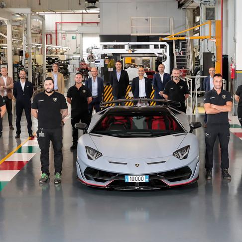 Automobili Lamborghini festeggia la Aventador n. 10.000