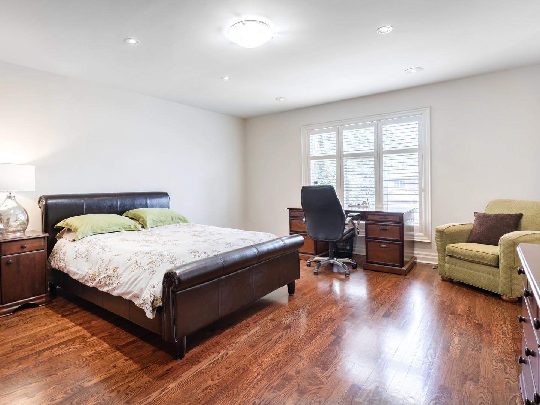 117 Highland Cres - Bedroom northwest