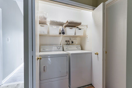 178 Mainprize Cresent - Laundry.jpg
