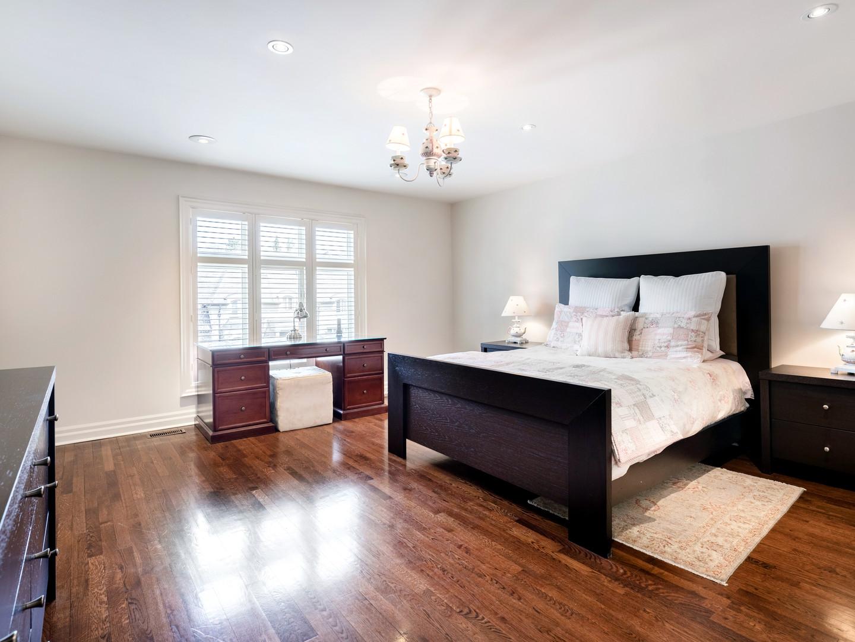 117 Highland Cres - Bedroom north