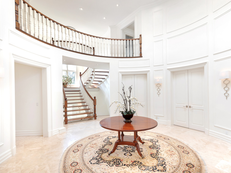 117 Highland Cres - Foyer