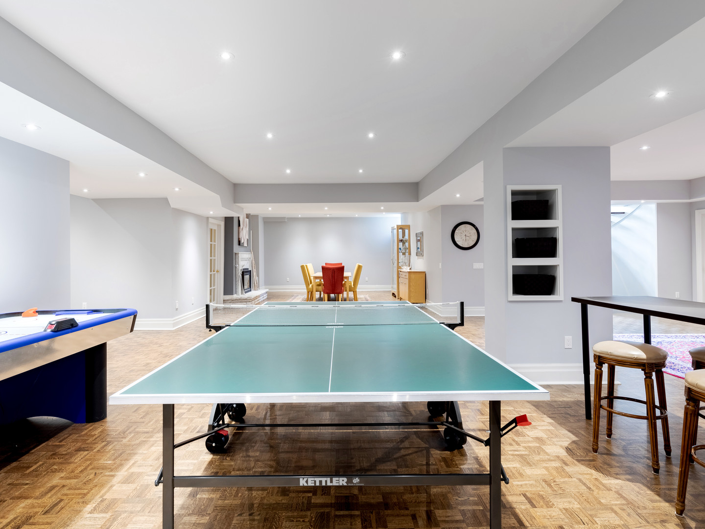 117 Highland Cres - Bsmt pingpong