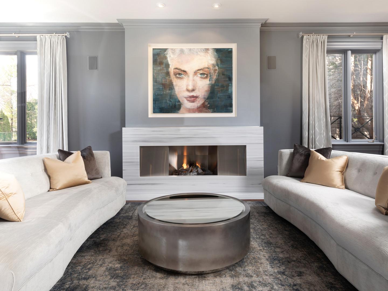 117 Highland Cres - LR Fireplace