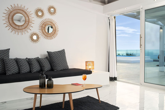 honeymoon-suite-with-private-pool-5jpg