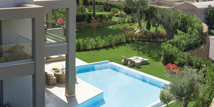 porto-sani-_-three-bedroom-family-suite-private-pool-2_1500x750-1jpg