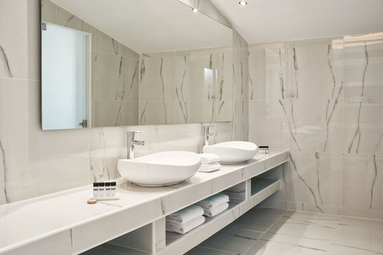 luxury-spa-suite-with-private-pool-3jpg