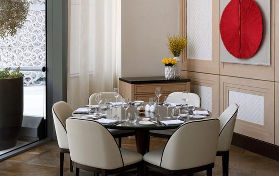 adh_addth_restaurants_the-restaurant-kitchen-dining-table_ambient_hr_01-copy.jpg