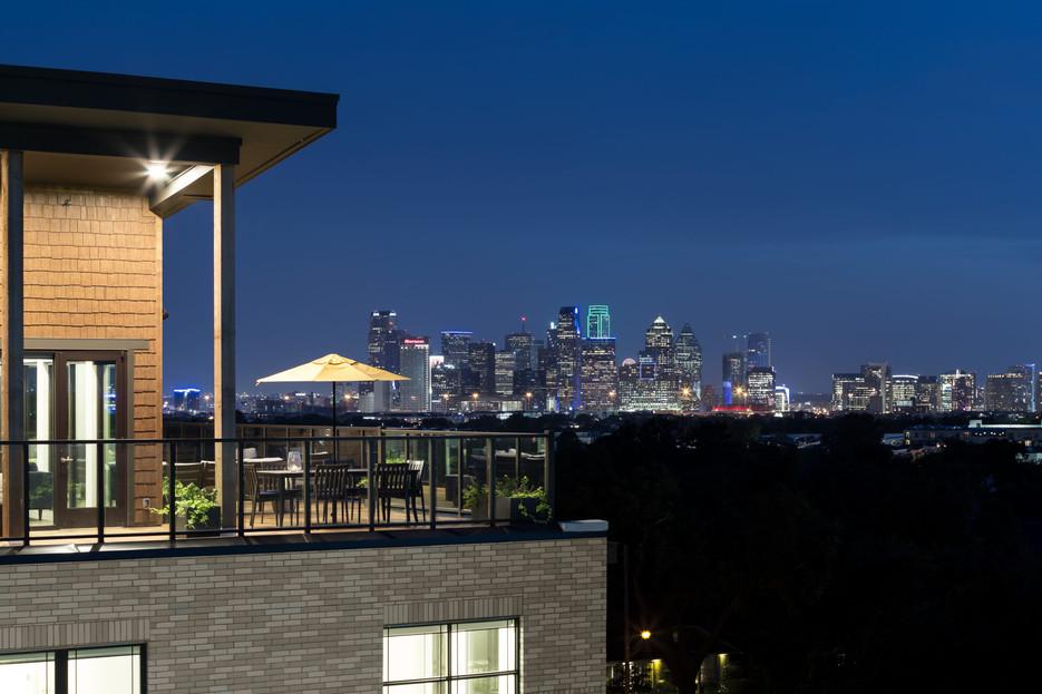AM-Balcony-Views-Night-TCRA-4161-691-225