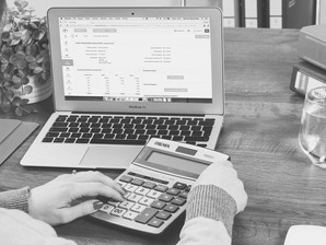 What's the Difference between a Bookkeeper and an Accountant?