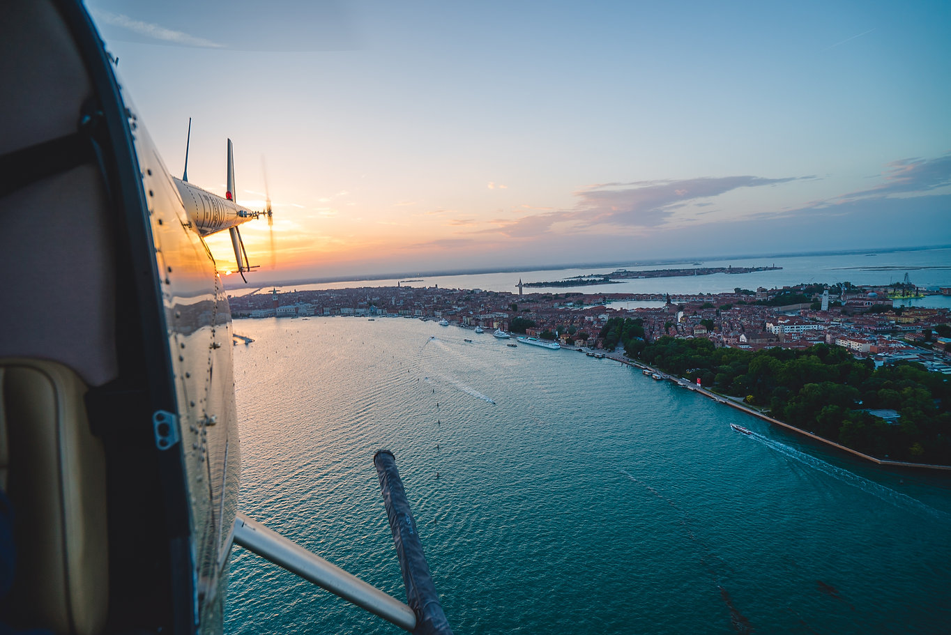 helivenice-tail-sunset.jpg