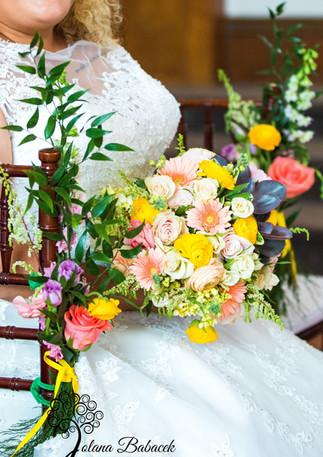 CORAL BLUSH GOLD RANUNCULUS GERBERA DAISY SUCCULENT WEDDING FLOWERS
