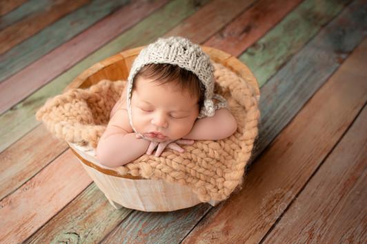 Newborn de bebê em estúdio no alto da XV