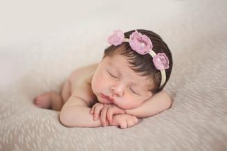 Newborn - Karina (24).jpg