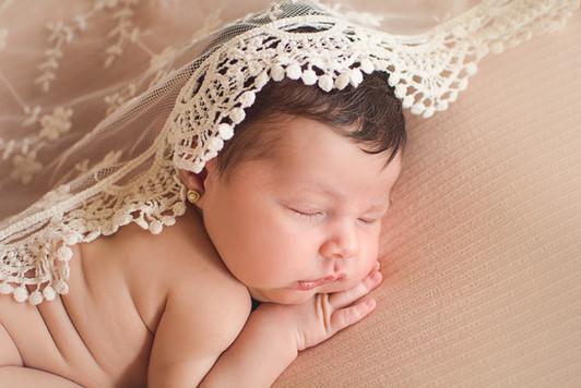 Newborn - Karina (7).jpg