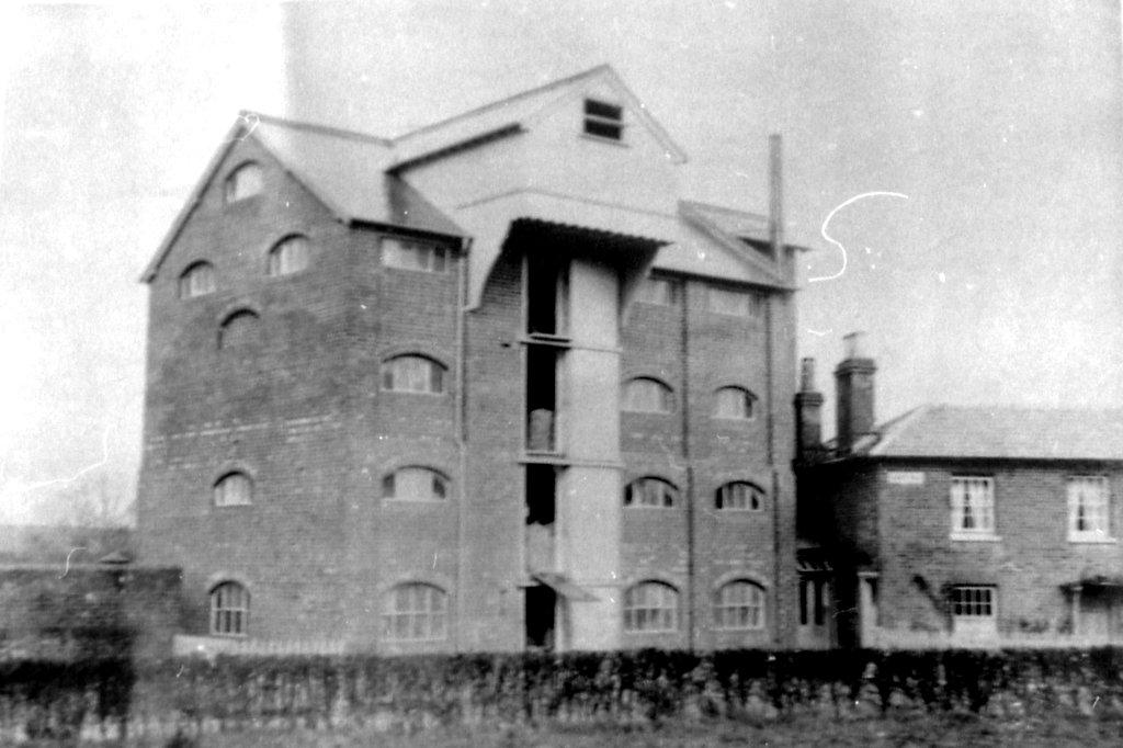 Mystery Mill 4-9292.jpg