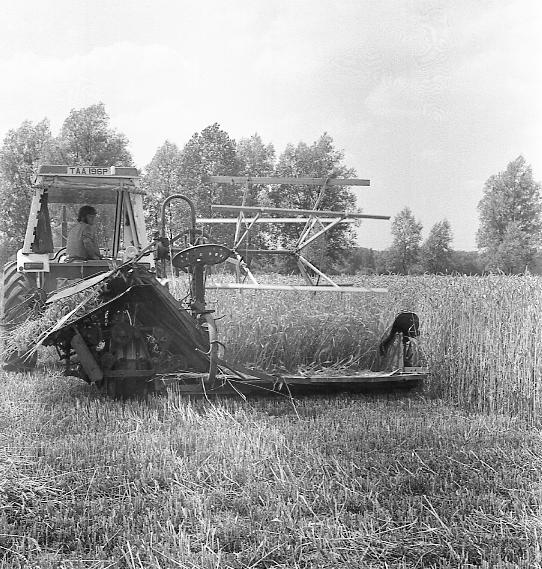 Tractor (TAA196P) Photo 60947